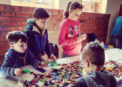 loose-bricks-table-2