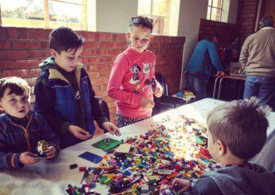 loose-bricks-table-3